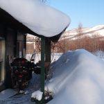 雪に埋もれそうなテラス