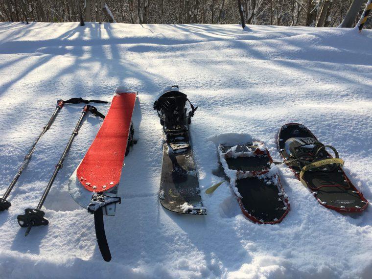 スノーシューとスプリットボード