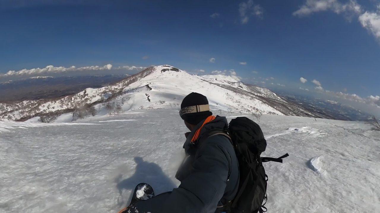 ニセコ連峰へのドロップ